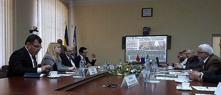 http://ukraynahaber.com.ua/images/stories/arsiv/FOTO_GALERis/yokysarac4.jpg