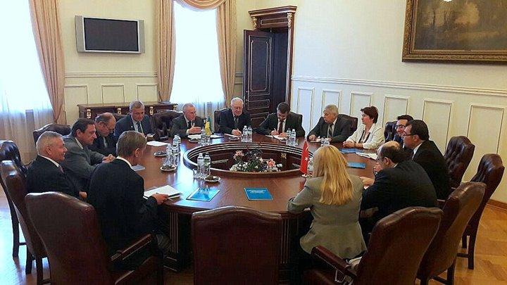 http://ukraynahaber.com.ua/images/stories/arsiv/FOTO_GALERis/yokysarac8.jpg